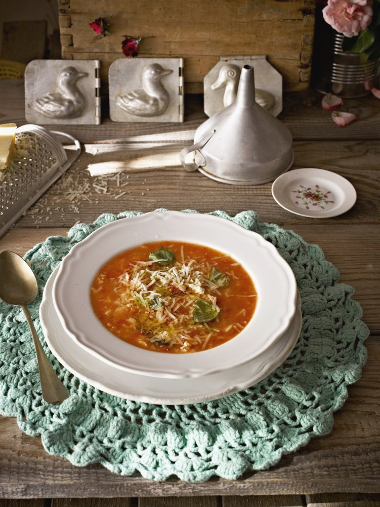 TOMATO SOUP WITH RICE & BASIL